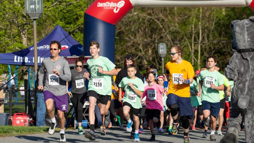 Participants running at the 2019 ROAR for Kids event
